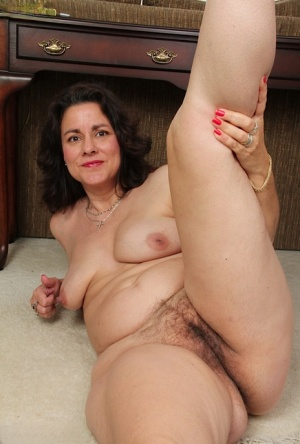 Hairy Pussy Solo Pics